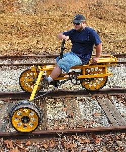 Three-wheeled handcar